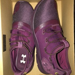 Under Armour Drift Shoes size 9.  Great condition!